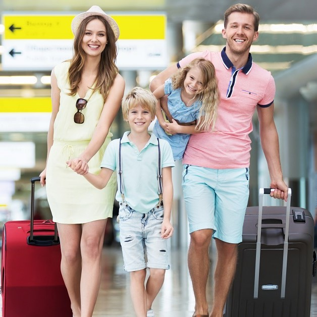 Family traveling to Orlando Florida